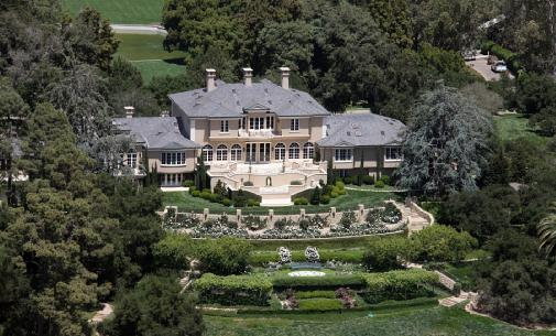 https://starmap.com/wp-content/uploads/2012/06/Oprah-Winfrey-House-Aerial-View.jpeg
