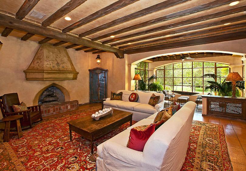 Mel Gibson Living Room