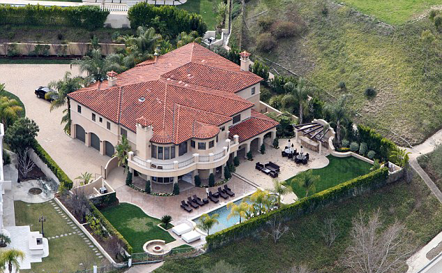 Khloe Kardashian Lamar Odom Selling House In Anticipation Of Divorce