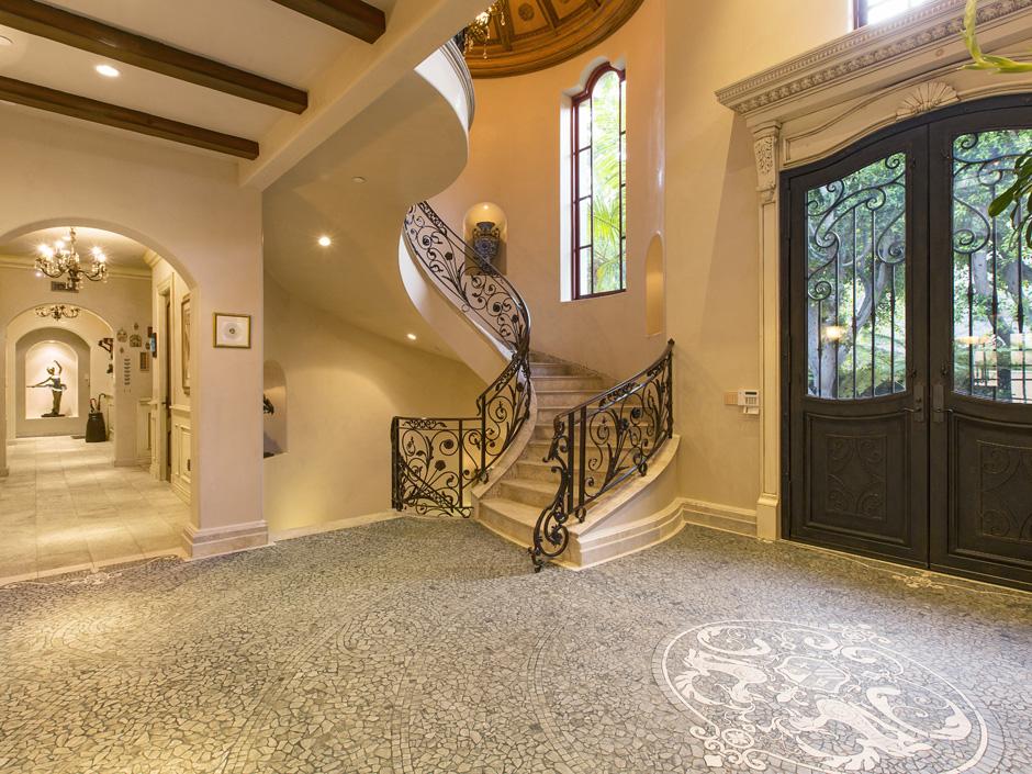 Sofia Vergaras New Home 106 Million Beverly Hills Villa