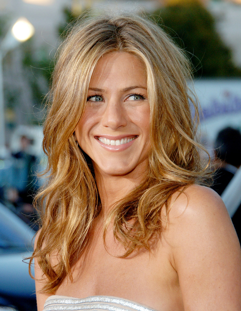 Jennifer Aniston - Famous Hollywood Actress Jennifer Aniston
